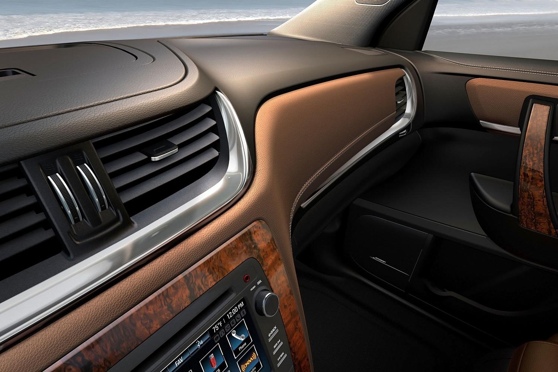 Chevrolet Traverse LTZ 4dr SUV Interior Detail (2013 model year shown)