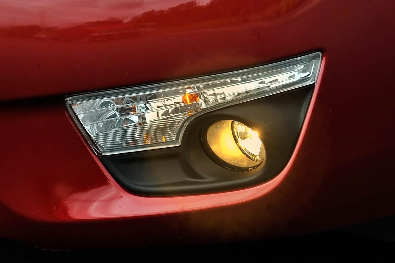 Nissan Altima 3.5 SL Sedan Fog Light Detail (2013 model year shown)