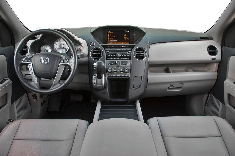 Honda Pilot EX-L 4dr SUV Interior (2013 model year shown)