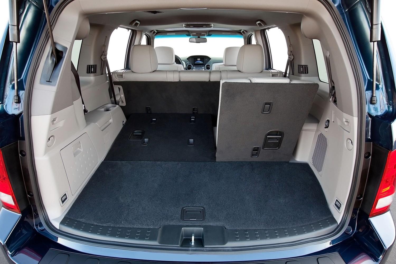 Honda Pilot Touring 4dr SUV Cargo Area (2013 model year shown)
