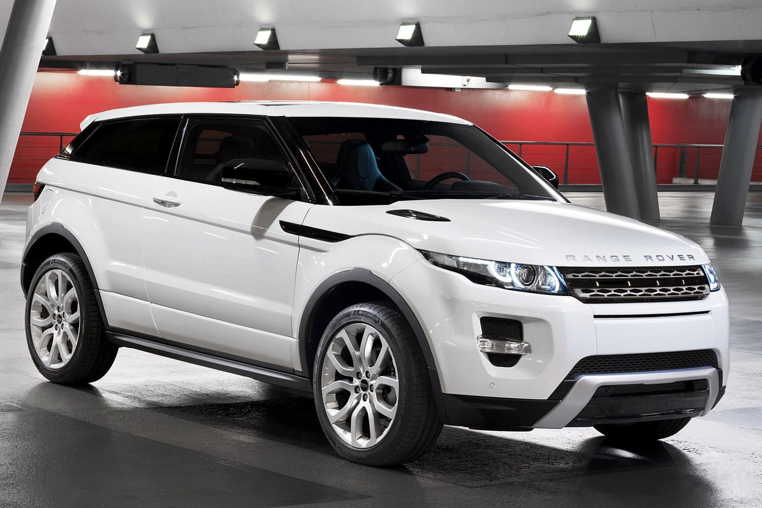 Land Rover Range Rover Evoque Pure Plus 2dr SUV Exterior (2013 model year shown)
