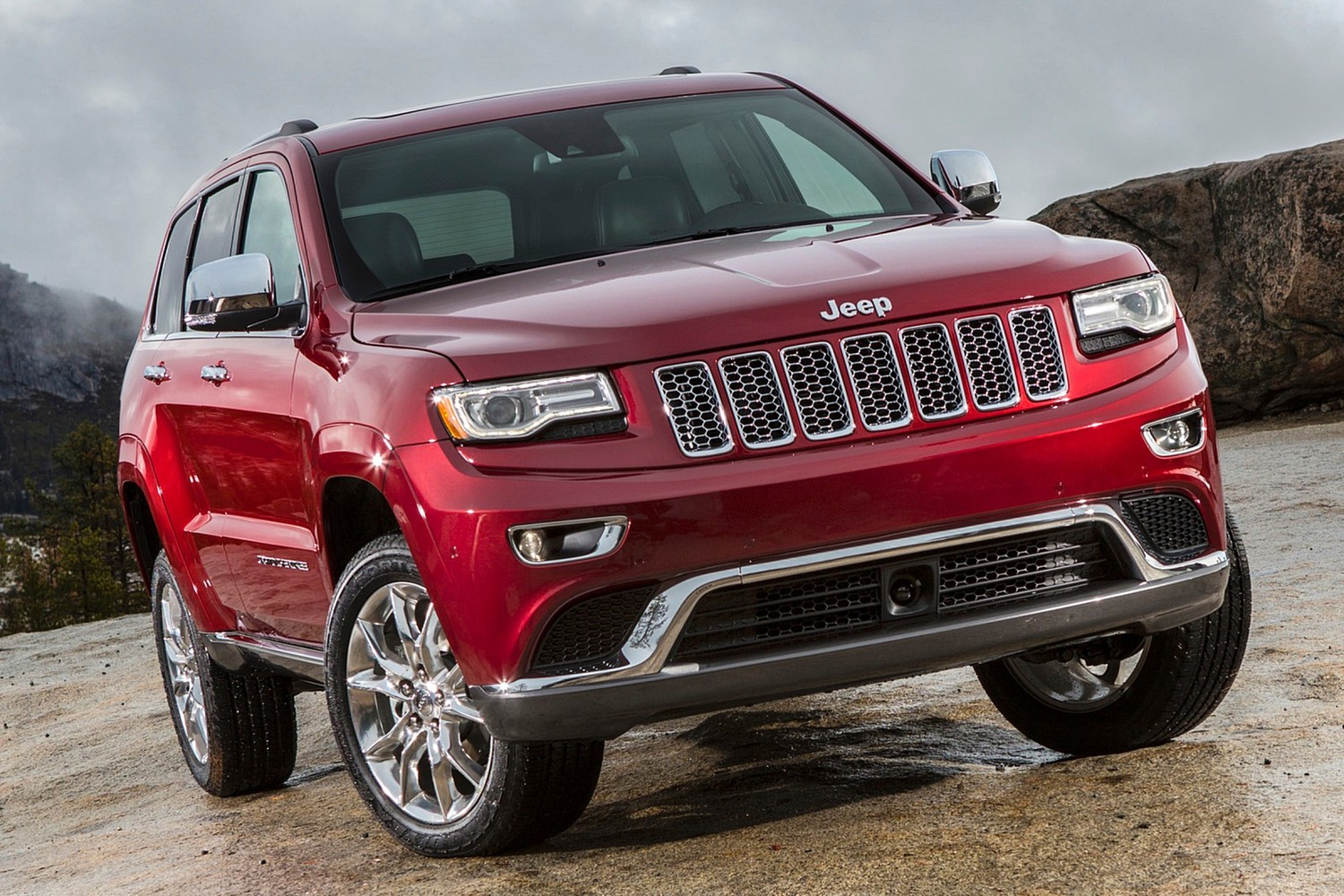 Jeep Grand Cherokee Summit 4dr SUV Exterior (2014 model year shown)