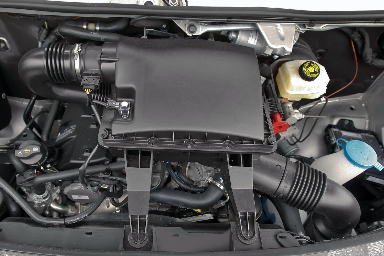 Mercedes-Benz Sprinter 3.0L Turbodiesel V6 Engine (2013 model year shown)