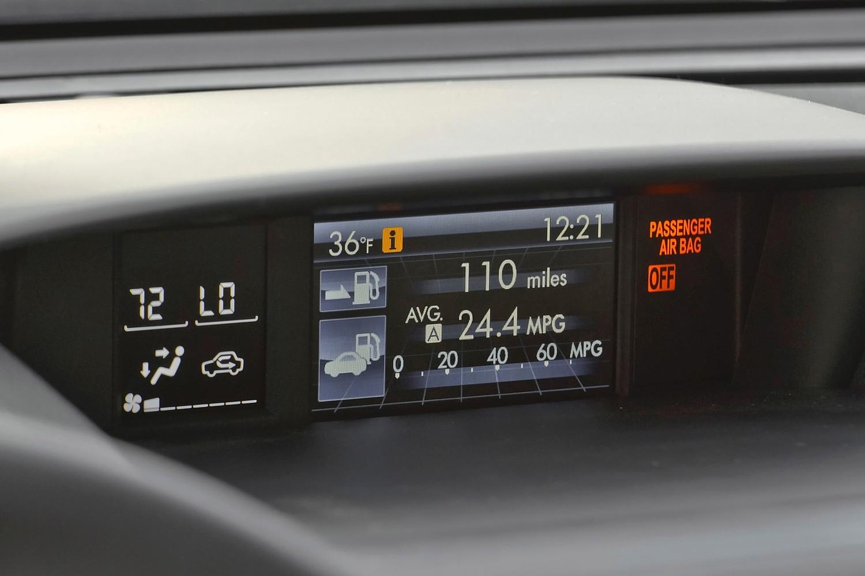 Subaru Forester 2.0XT Premium 4dr SUV Center Console (2014 model year shown)