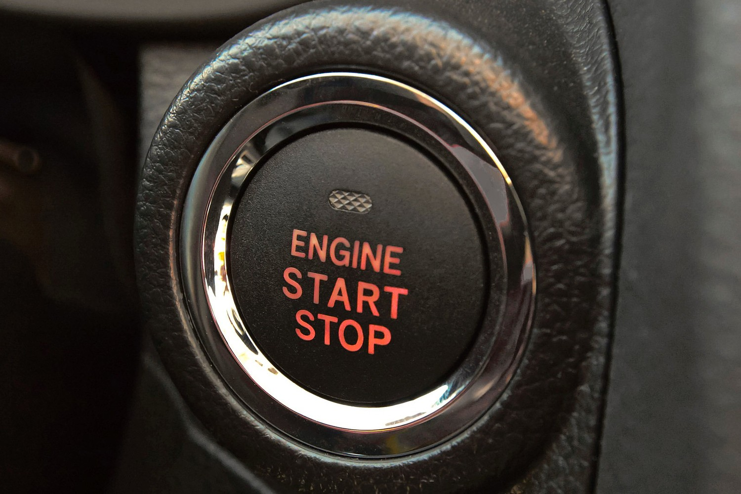 Subaru Forester 2.0XT Premium 4dr SUV Ignition Button Detail (2014 model year shown)