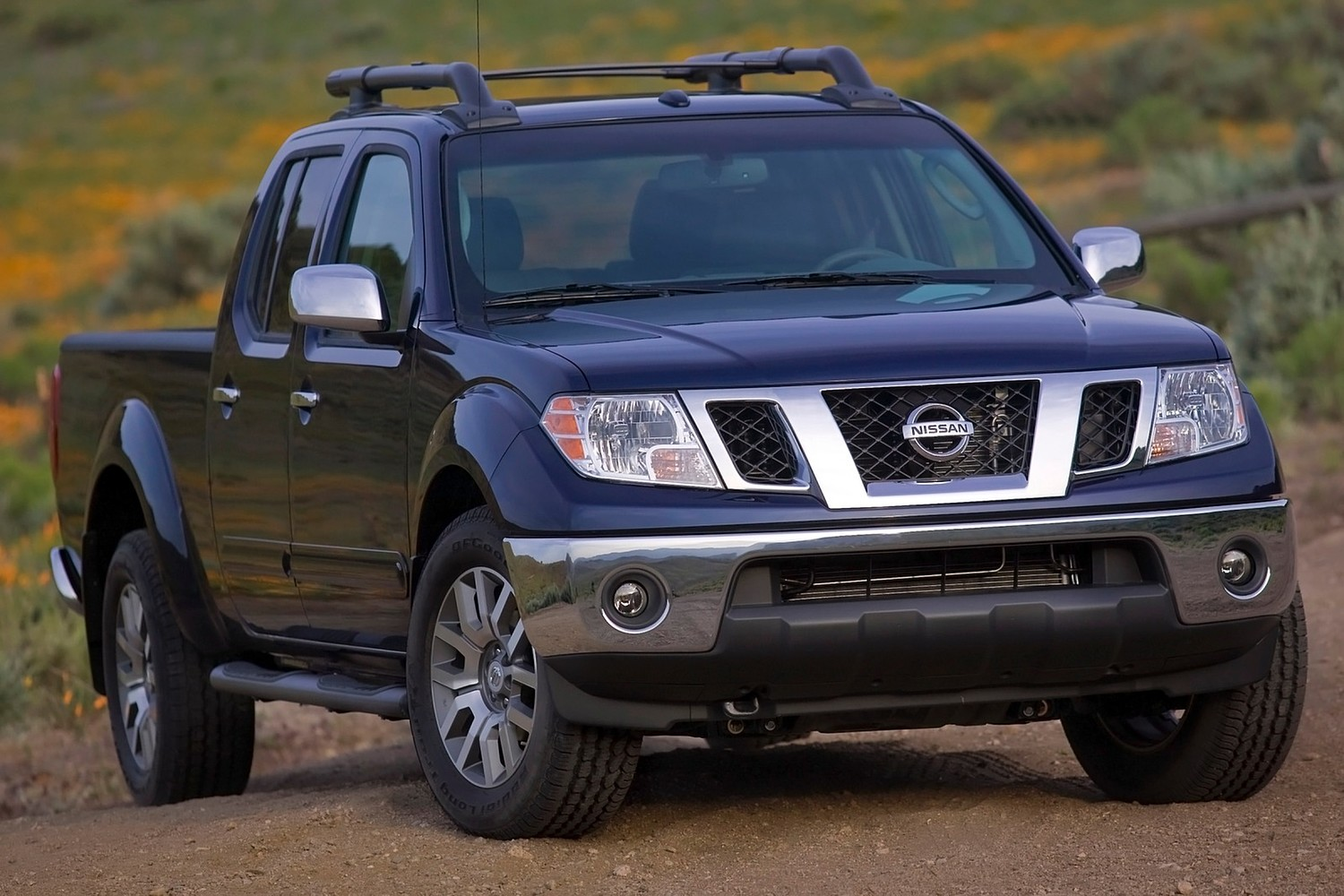 Nissan Frontier SL Crew Cab Pickup Exterior (2013 model year shown)