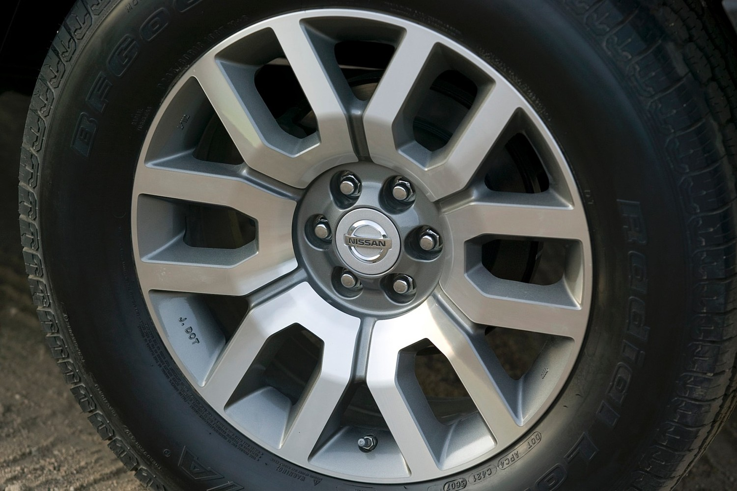 Nissan Frontier SL Crew Cab Pickup Wheel (2013 model year shown)