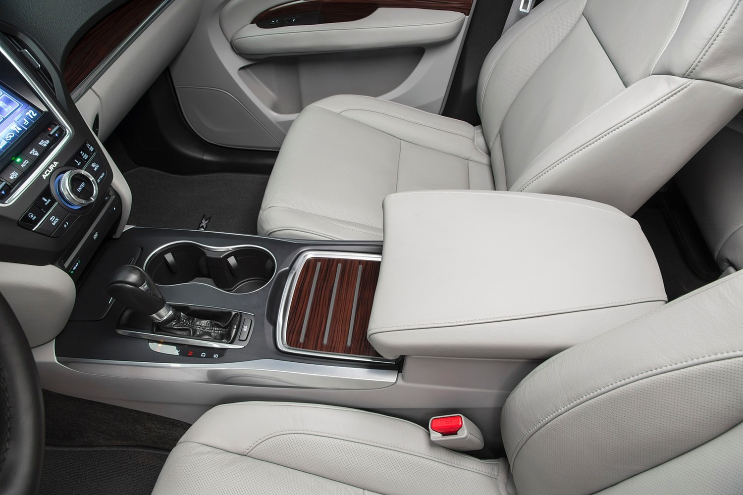 Acura MDX SH-AWD w/Technology and Entertainment Packages 4dr SUV Center Console (2014 model year shown)