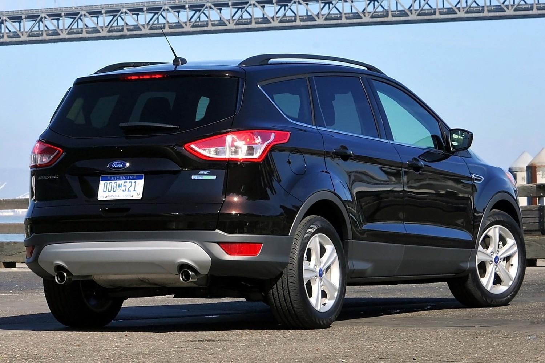 Ford Escape SE 4dr SUV Exterior (2014 model year shown)