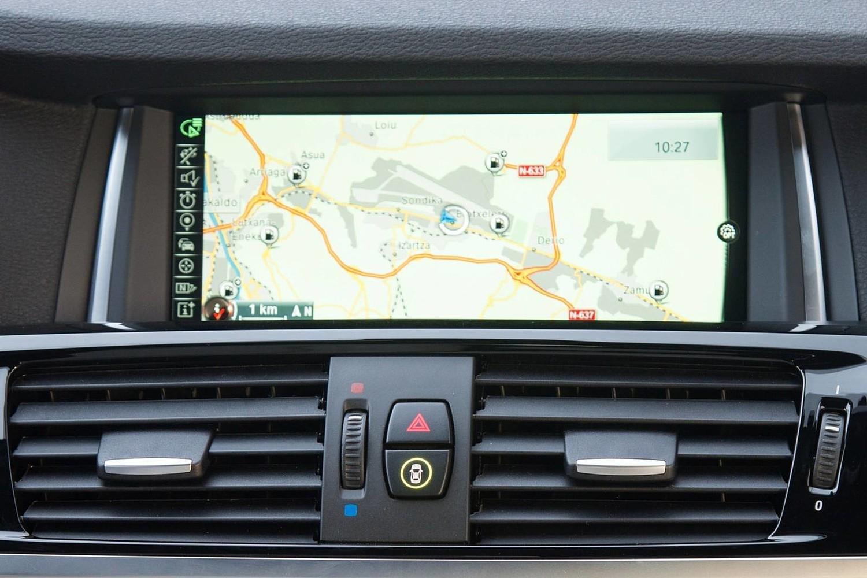 BMW X4 xDrive35i 4dr SUV Navigation System (2015 model year shown)