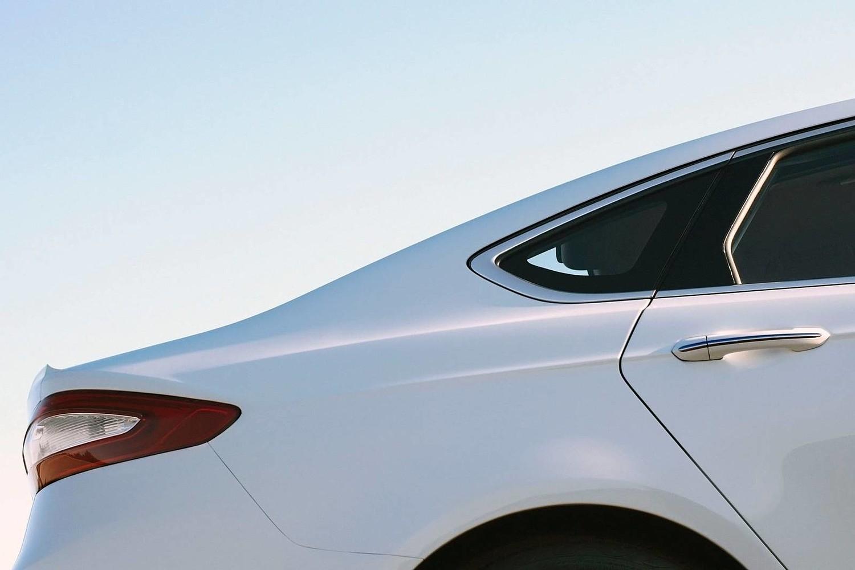 Ford Fusion SE Sedan Exterior Detail (2014 model year shown)