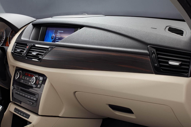 BMW X1 xDrive35i 4dr SUV Dashboard (2014 model year shown)