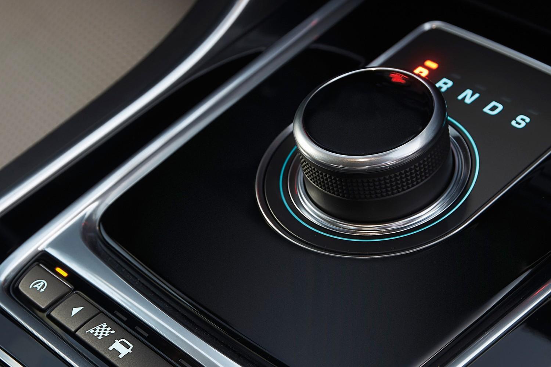 Jaguar XE 20d R-Sport Sedan Shifter (2017 model year shown)