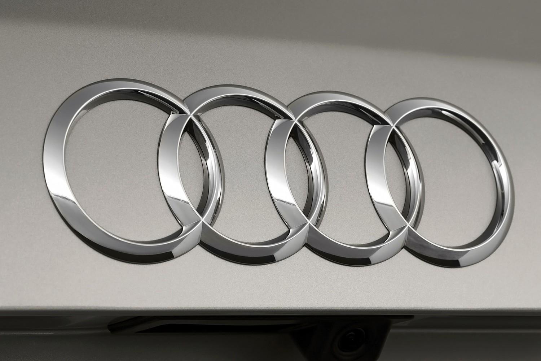 Audi Q5 3.0T Prestige quattro 4dr SUV Rear Badge (2014 model year shown)
