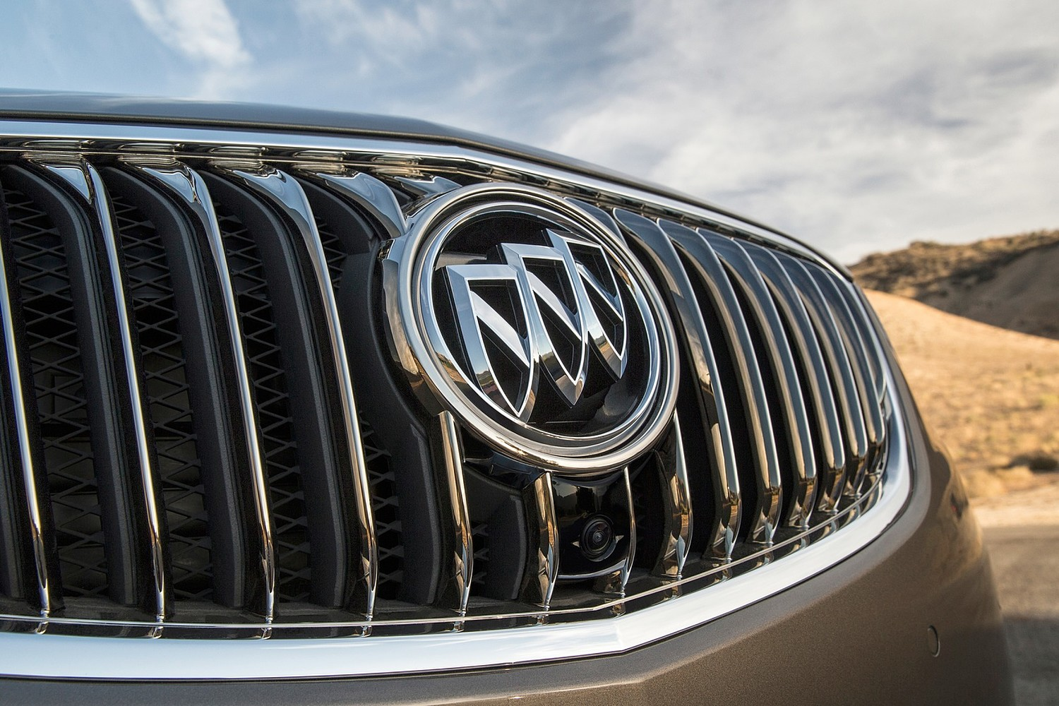Buick Envision Premium II 4dr SUV Front Badge (2016 model year shown)