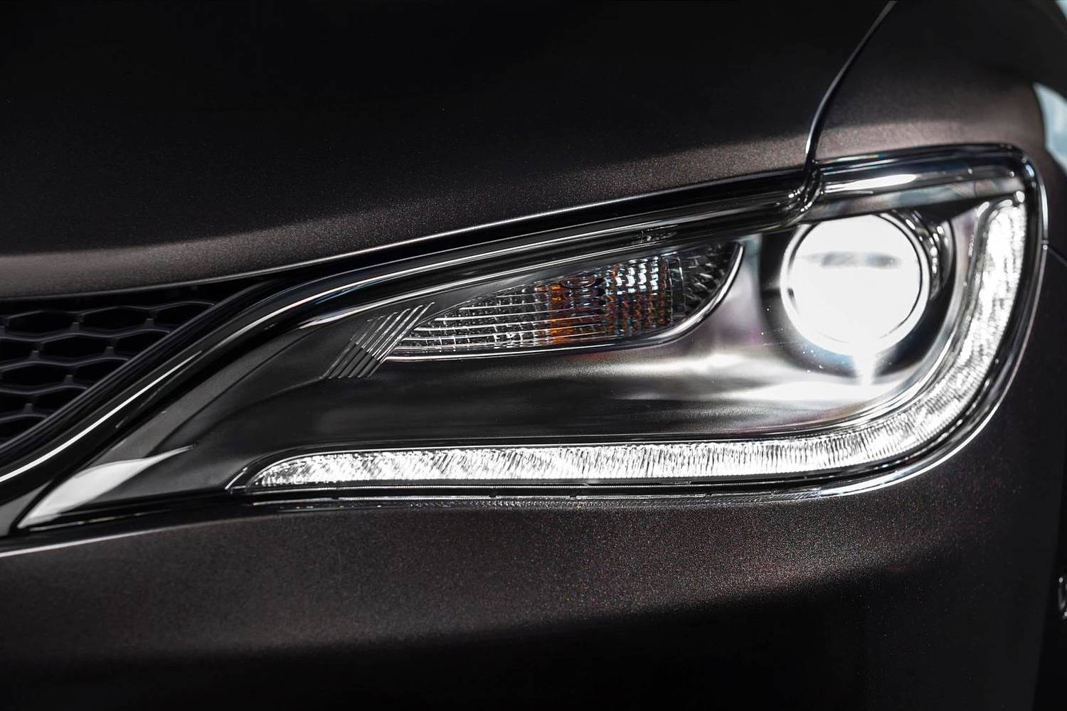 Chrysler 200 C Sedan Headlamp Detail (2015 model year shown)