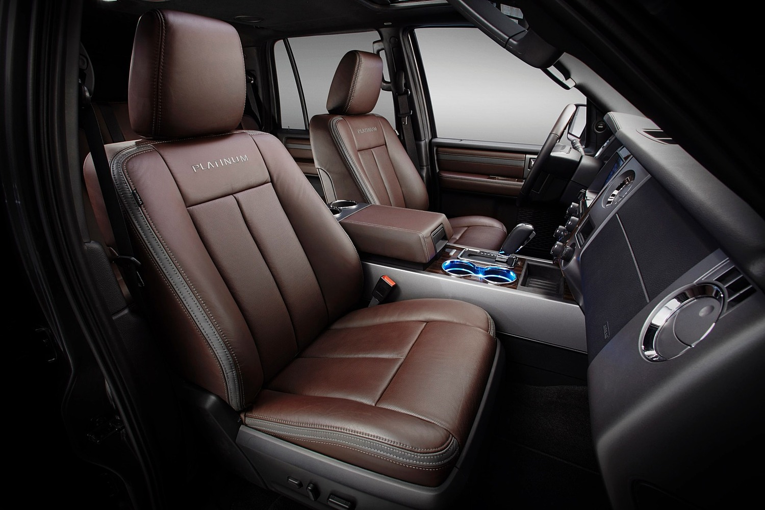 Ford Expedition Platinum 4dr SUV Interior (2015 model year shown)