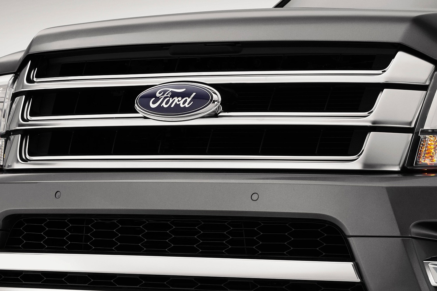 Ford Expedition Platinum 4dr SUV Front Badge (2015 model year shown)