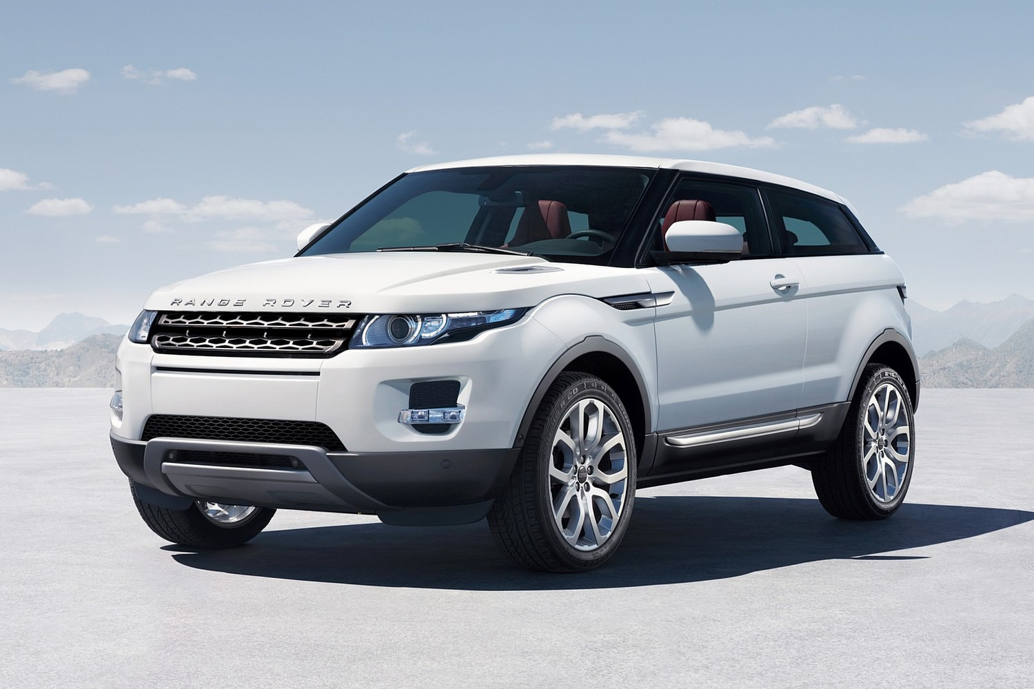 Land Rover Range Rover Evoque Pure Plus 2dr SUV Exterior (2014 model year shown)