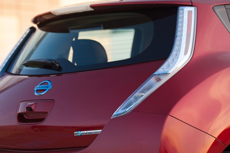 Nissan Leaf SL 4dr Hatchback Rear Badge (2014 model year shown)