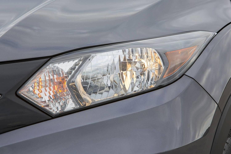 2016 Honda HR-V EX-L w/Navigation 4dr SUV Exterior Headlamp Detail