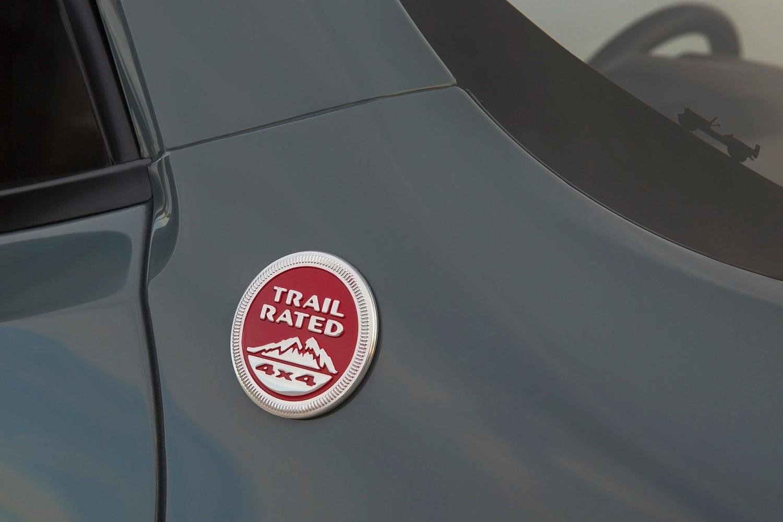 2015 Jeep Renegade Latitude 4dr SUV Fender Badge