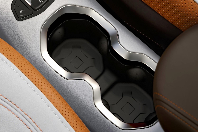 2015 Jeep Renegade Latitude 4dr SUV Cupholders