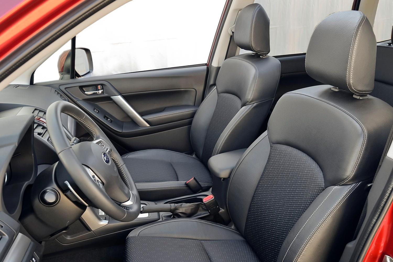 2015 Subaru Forester 2.5i Premium PZEV 4dr SUV Interior