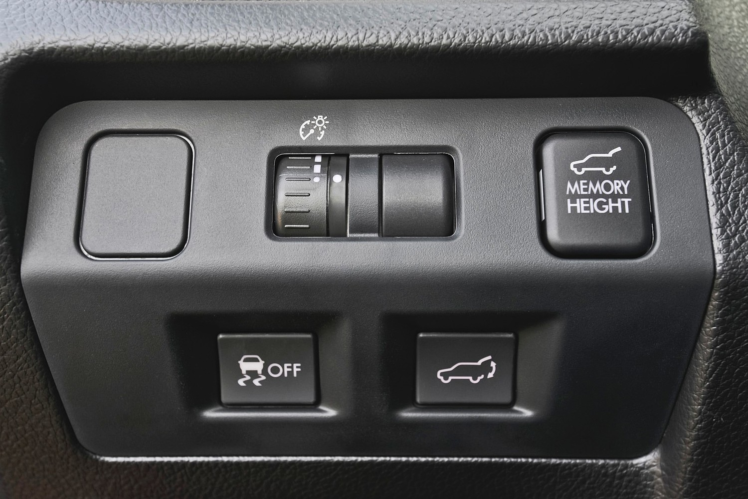 2015 Subaru Forester 2.0XT Touring 4dr SUV Interior Detail