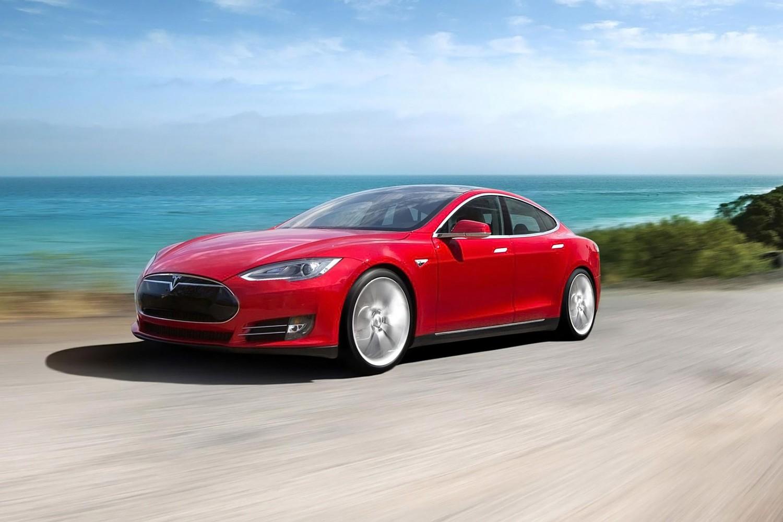 Tesla Model S P85 Sedan Exterior (2014 model year shown)