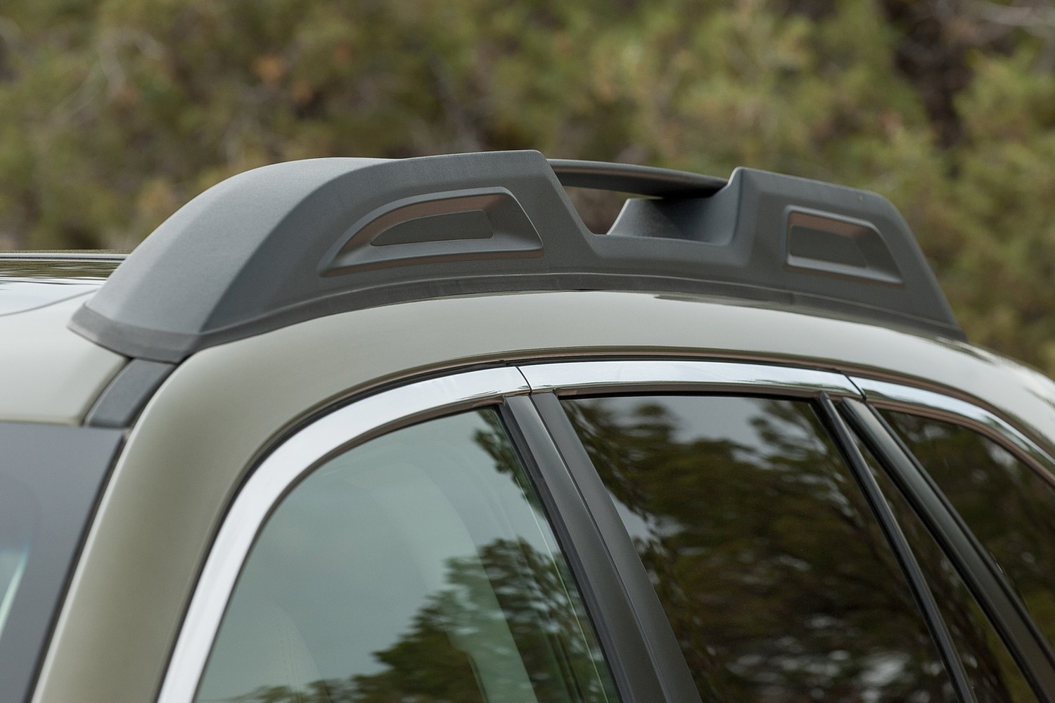 2015 Subaru Outback 3.6R Limited Wagon Exterior Detail