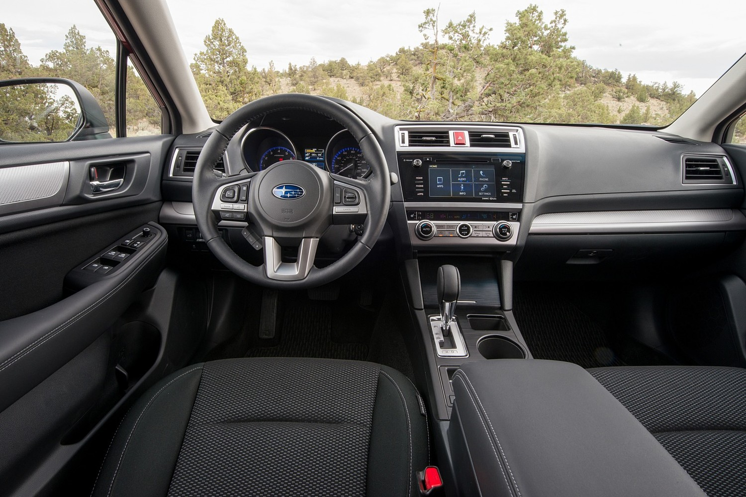 2015 Subaru Outback 3.6R Limited Wagon Dashboard