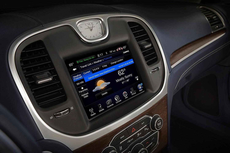 Chrysler 300 C Platinum Sedan Center Console (2015 model year shown)