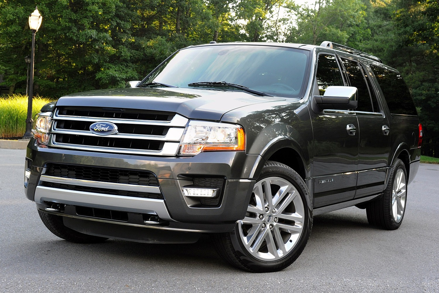Ford Expedition EL Platinum 4dr SUV Exterior Shown (2015 model year shown)