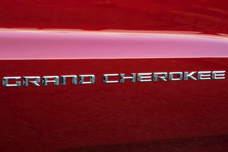 Jeep Grand Cherokee Summit 4dr SUV Door Badge Detail (2015 model year shown)