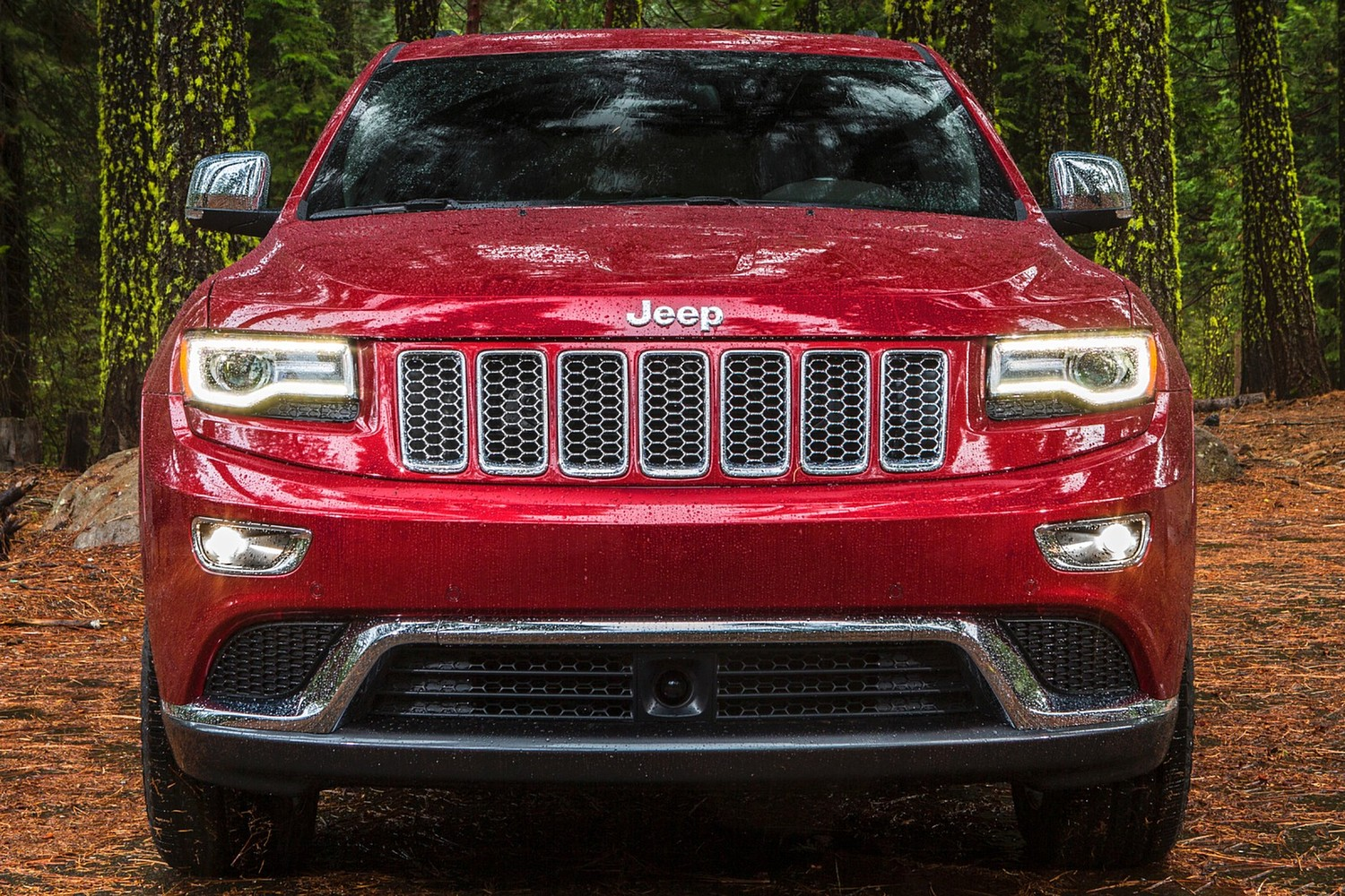 Jeep Grand Cherokee Summit 4dr SUV Exterior (2015 model year shown)