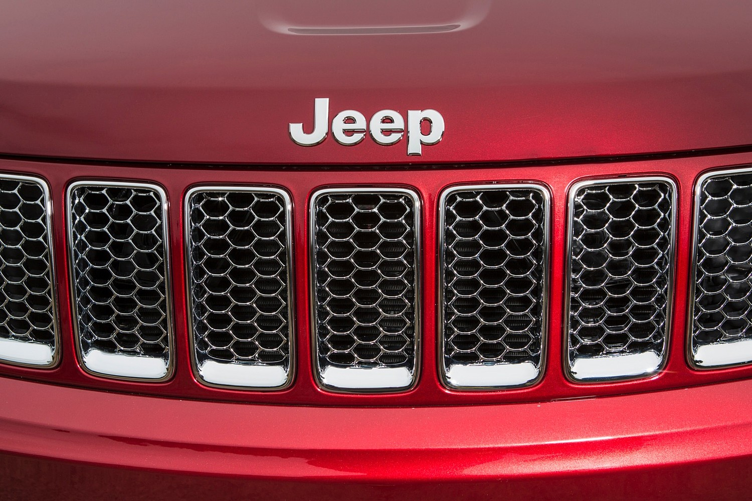 Jeep Grand Cherokee Summit 4dr SUV Front Badge (2015 model year shown)