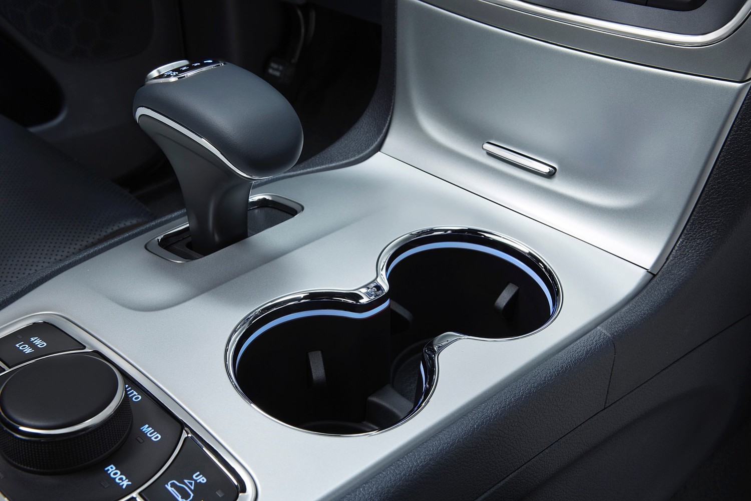 Jeep Grand Cherokee Summit 4dr SUV Shifter (2015 model year shown)