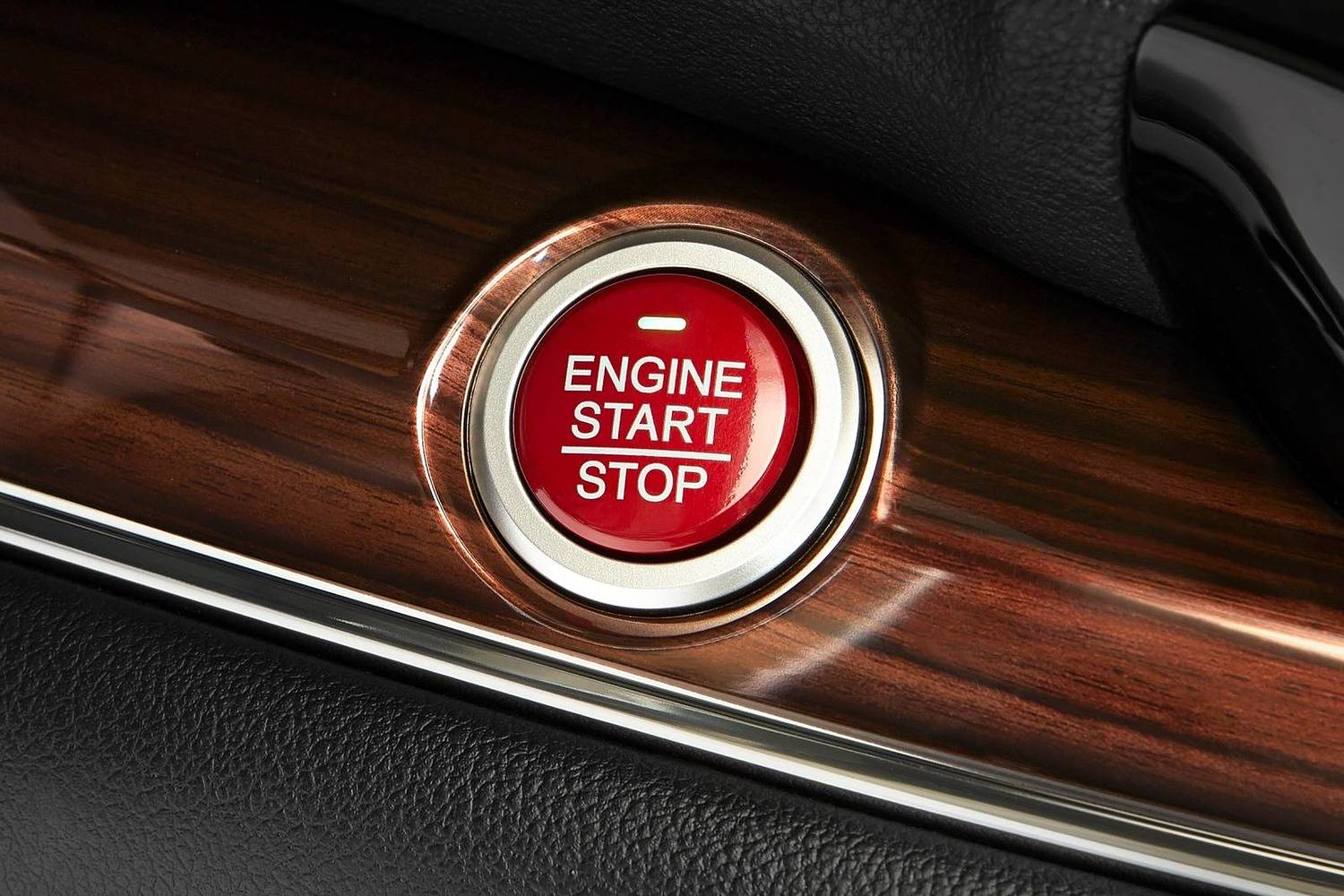 Honda CR-V Touring 4dr SUV Ignition Button Detail (2015 model year shown)