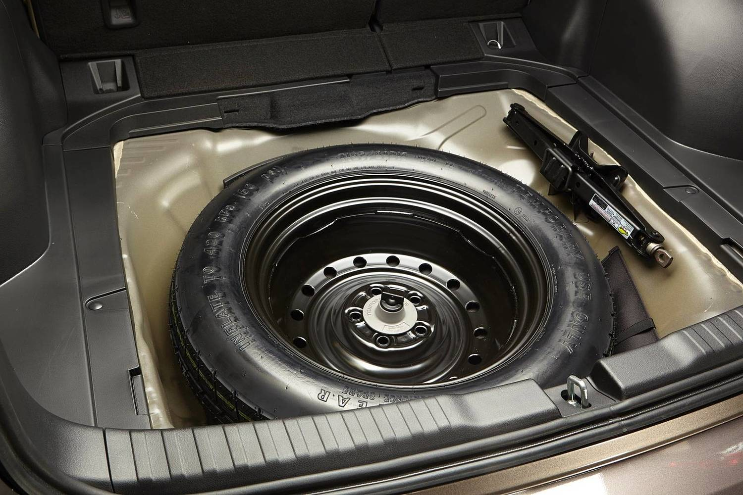 Honda CR-V Touring 4dr SUV Spare Tire Detail (2015 model year shown)