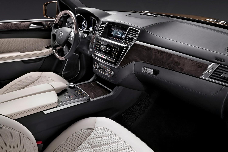 Mercedes-Benz GL-Class GL350 BlueTEC 4MATIC 4dr SUV Interior (2015 model year shown)
