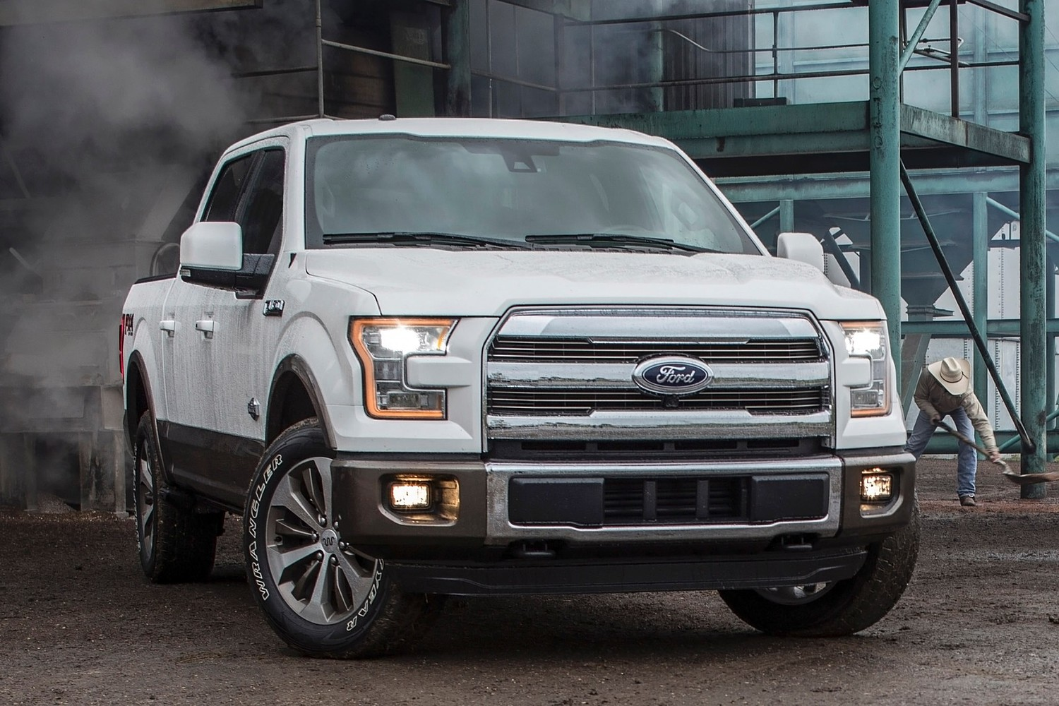 2015 Ford F-150 King Ranch Crew Cab Pickup Exterior