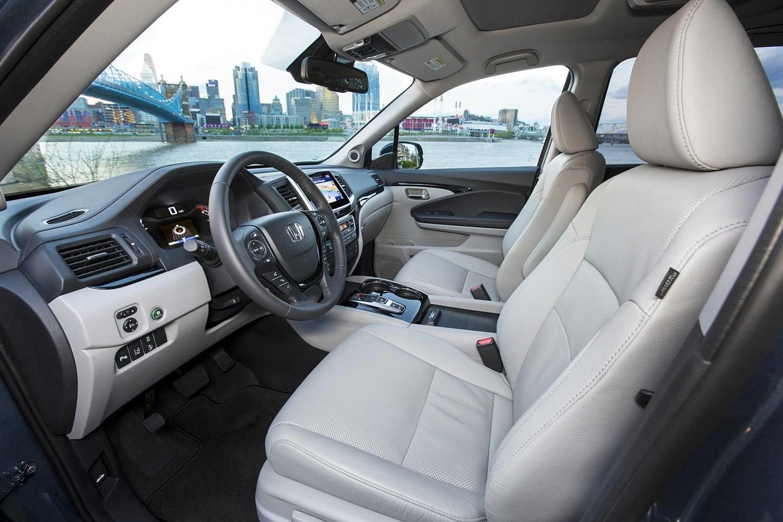 Honda Pilot Elite 4dr SUV Interior (2016 model year shown)