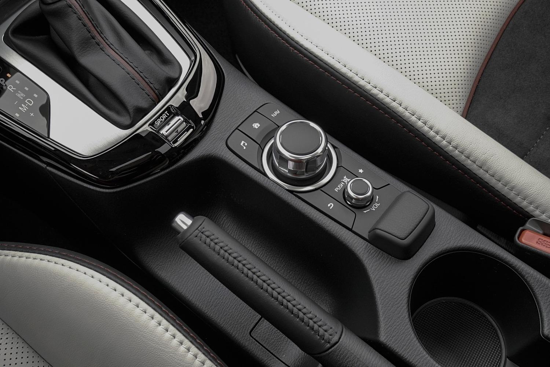 2016 Mazda CX-3 Grand Touring 4dr SUV Aux Controls