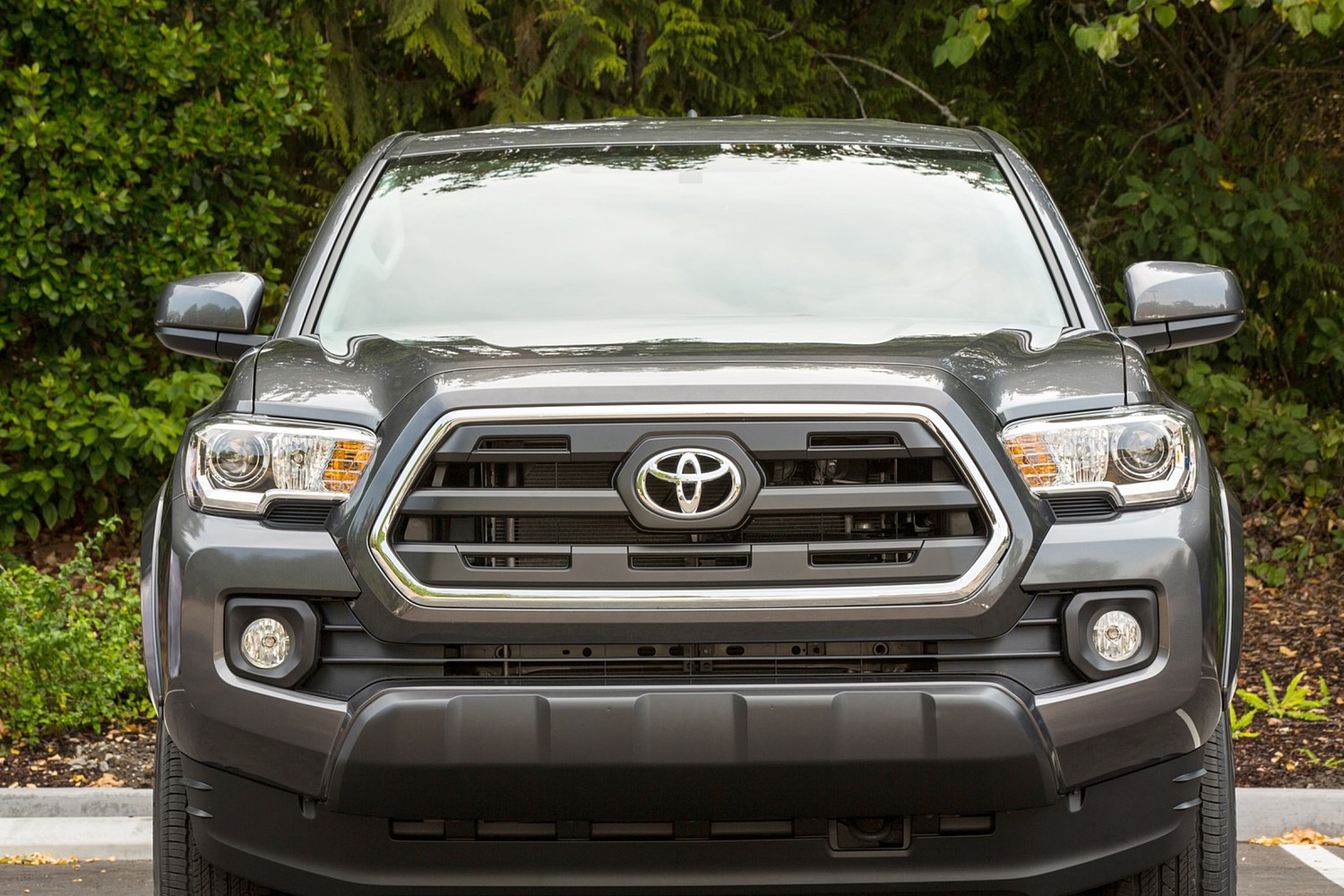 2016 Toyota Tacoma SR5 Extended Cab Pickup Exterior