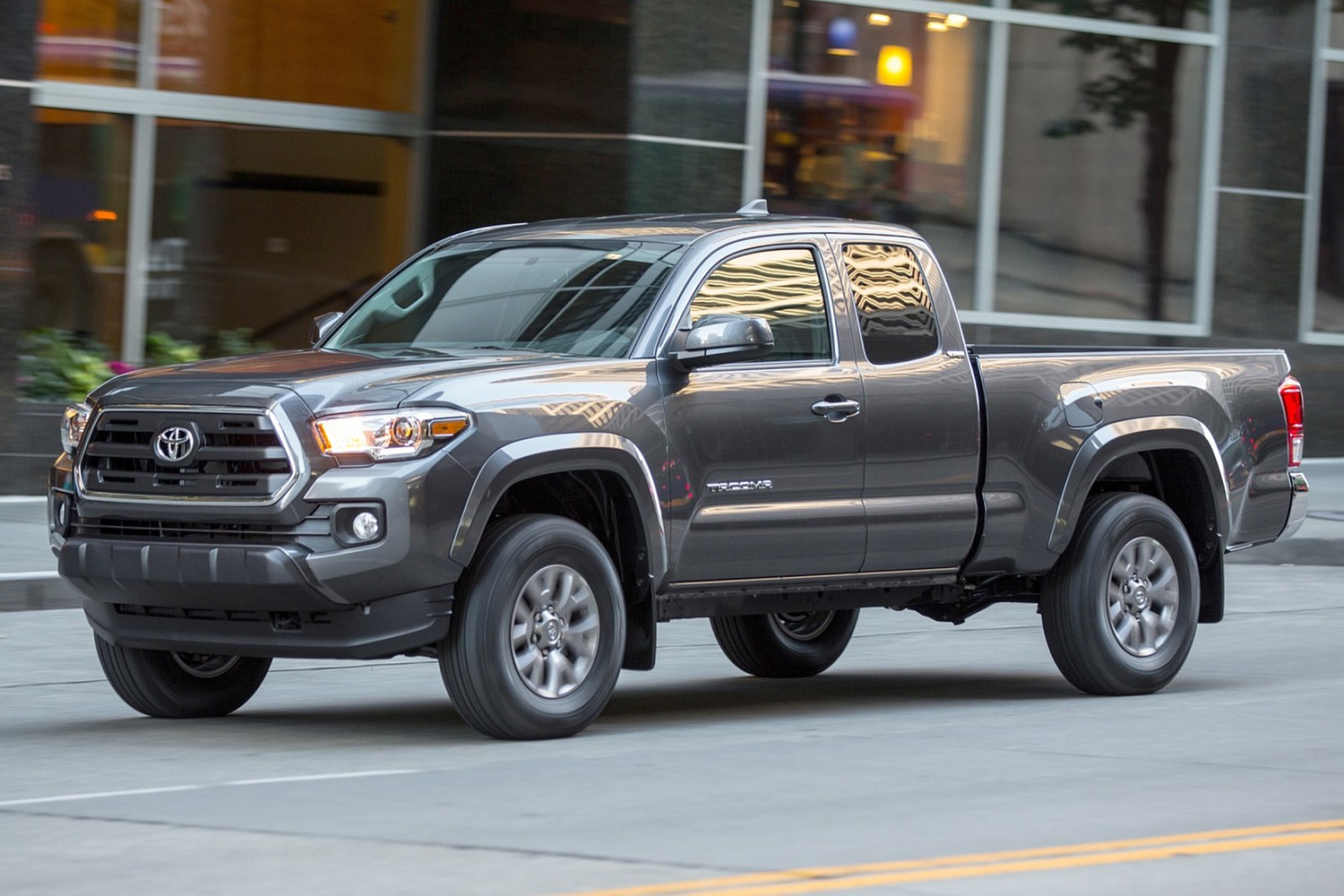 2016 Toyota Tacoma SR5 Extended Cab Pickup Exterior Shown