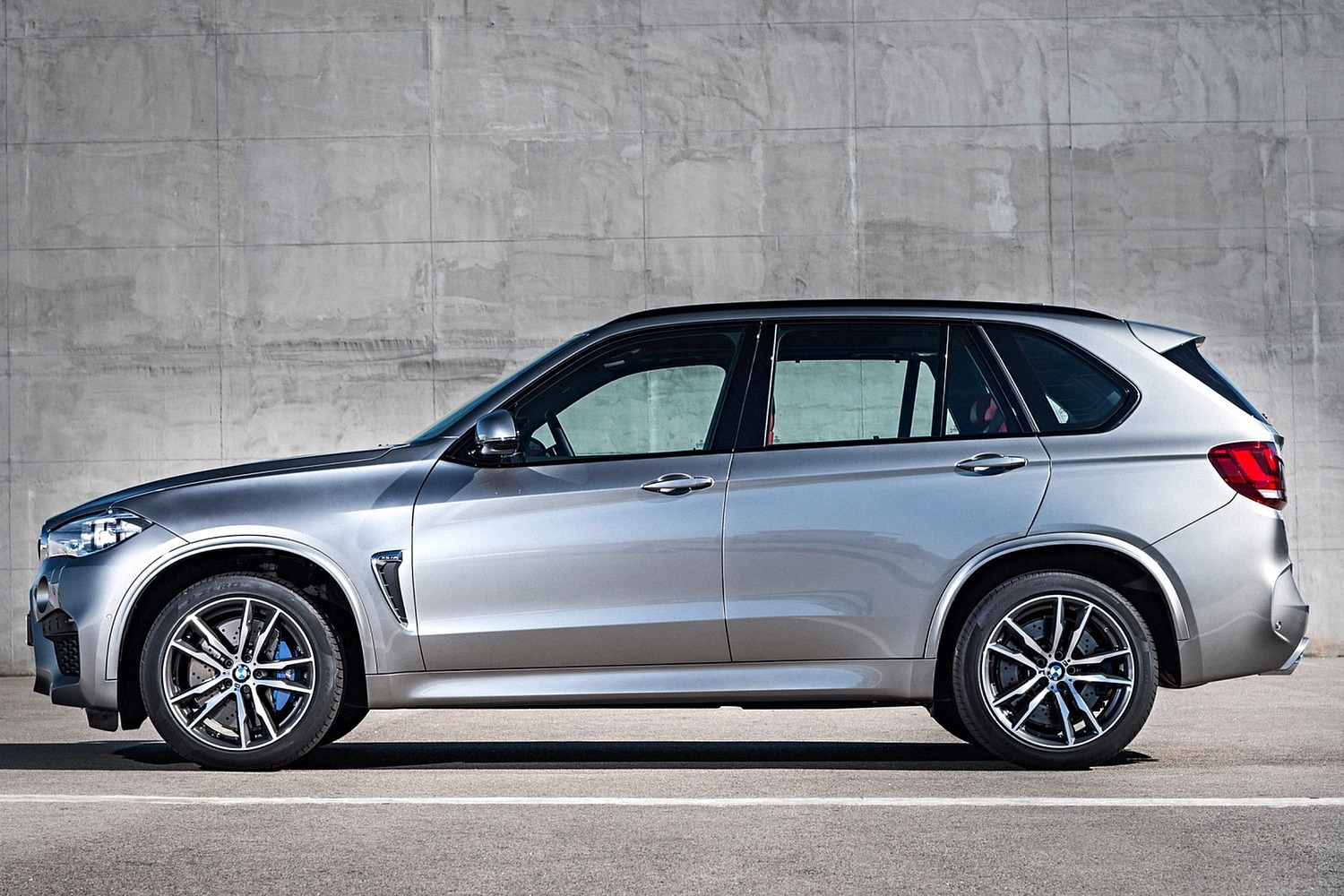 BMW X5 M 4dr SUV Exterior (2015 model year shown)