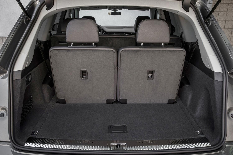 2017 Audi Q7 Prestige 4dr SUV Cargo Area