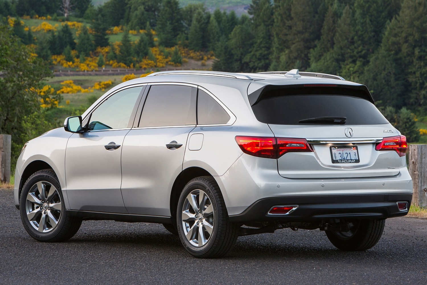 2016 Acura MDX SH-AWD w/Technology, Entertainment and AcuraWatch Plus Packages 4dr SUV Exterior Shown