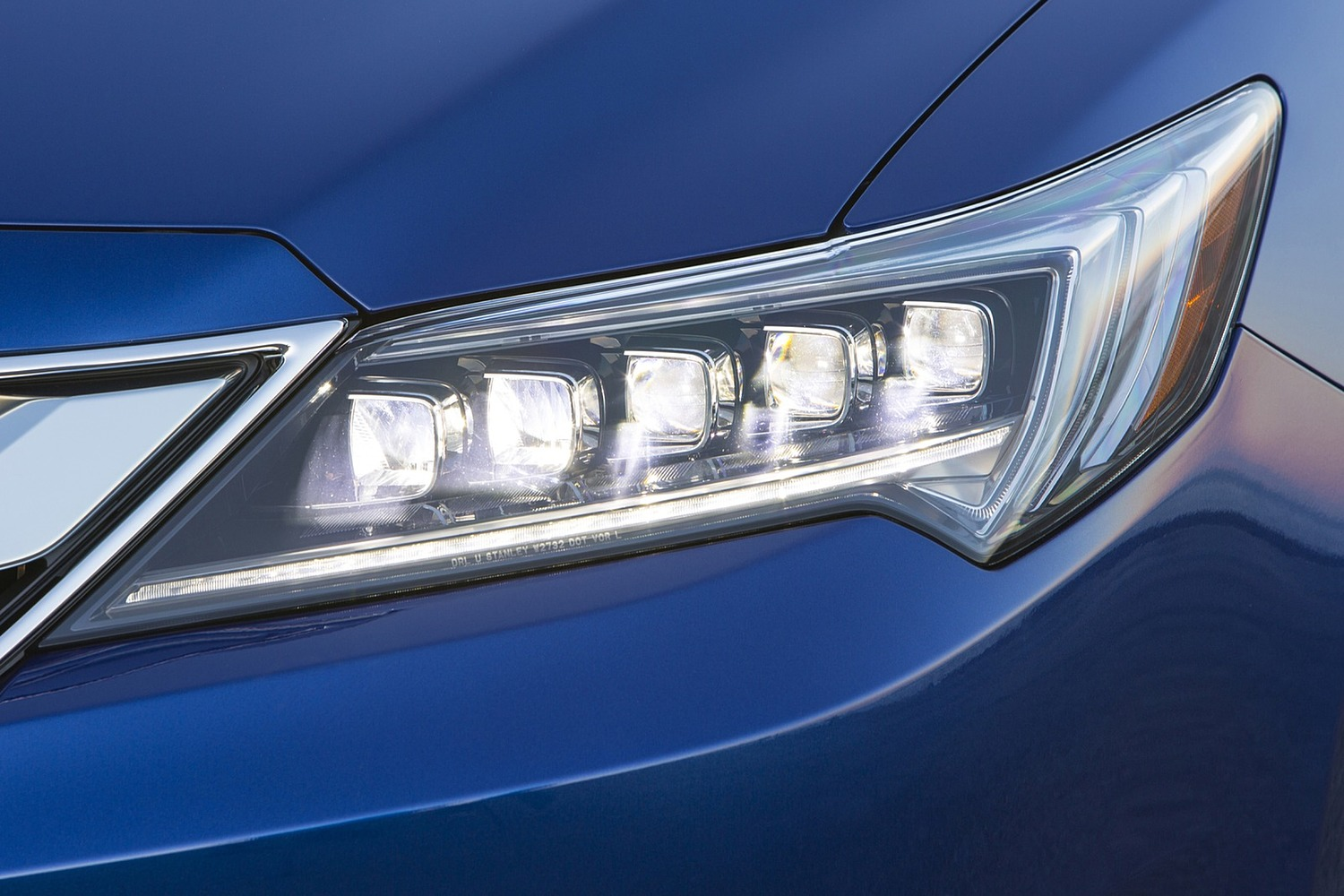 Acura ILX Technology Plus and A-SPEC Packages Sedan Headlamp Detail (2016 model year shown)